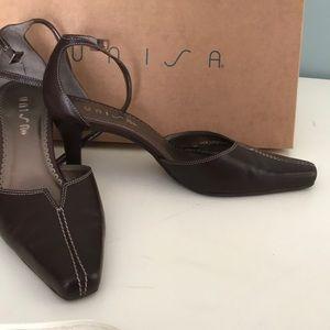 Unisa size 6 brown high heels